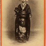 GIAPPONESE VESTITA DA SPOSA, [Nagasaki, 1869-1870]