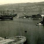 31. Hafen Trieste . Il porto con il bagno Maria e la lanterna, [ante 1911] F12137