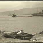 40. Carlo Wulz, Veduta del porto con i resti del bagno Buchler e naufragio di velieri all'esterno della diga : 15 giugno 1911