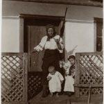 05-Contadina-con-bambini-CMSA_H_17241